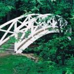 Brücke zum Denkmal des Ministers von der Festwiesenseite im Seifersdorfer Thal