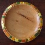Holzteller bemalt grün orange gelb geometrisch