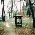 Ziehbrunnenhaus im Park 1