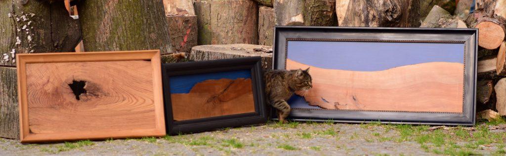 Drei Holzbilder und eine Katze, Ausschnitt