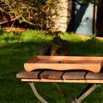 Holzbild von der Seite, nutzbar als Holztablett